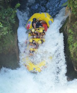White-Water-Rafting-seven-meter-waterfall