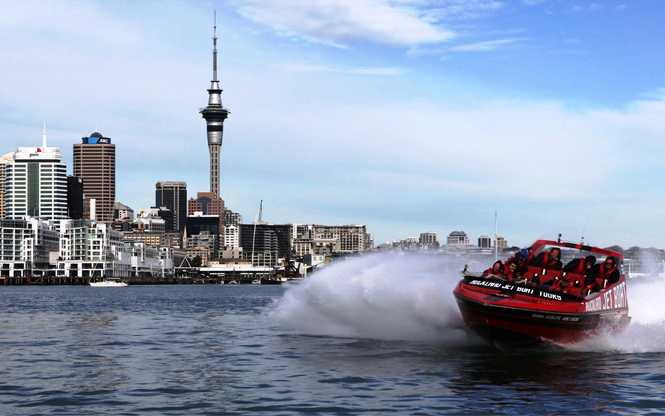 auckland-jet-boat-student-trips-new-zealand-1