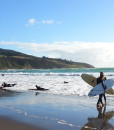 North-&-South-Island-student-trips-Surfing-Raglan
