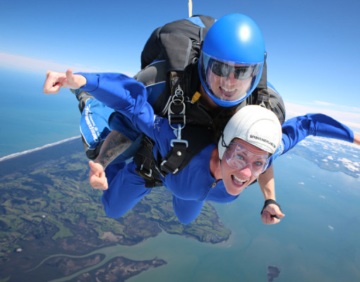 student-trips-skydive-auckland-1