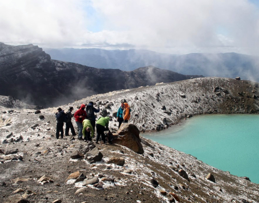 tongariro-crossing-student-trips-new zealand-1