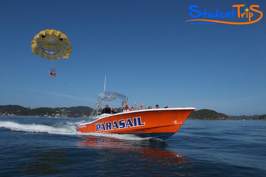 parasailen boat